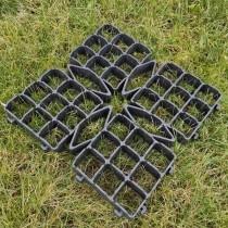 Grilă pentru gazon 50x50 cm negru